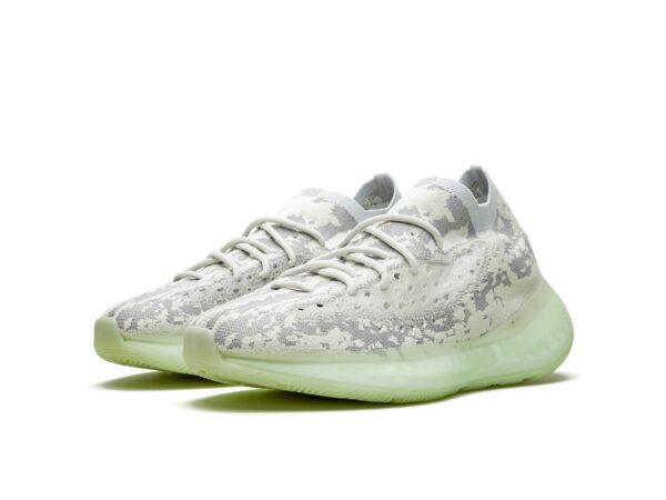 Женские кроссовки Adidas Yeezy Boost 380